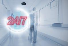 Dygnet runt akut i sjukhuset Arkivbilder