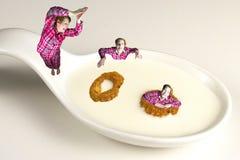 Dyka in i en sund frukost Royaltyfria Foton