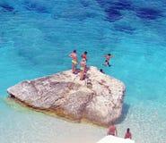 Dyka i havet av Sardinia, sommarsemester i Italien Arkivfoton