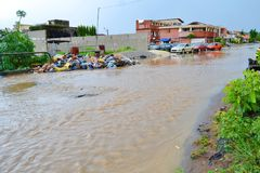 Dyluwialni deszcze: utożsamiać ryzyko strefy w Abidjan Zdjęcia Stock