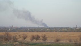 Dym od ogienia w odległości zbiory wideo