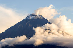 Dymienia Tungurahua wulkan Zdjęcia Stock