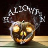 Dymienie papieros w bani głowie dla Halloween zdjęcia royalty free