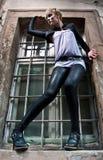 dynamiczna mody modela poza Zdjęcia Royalty Free