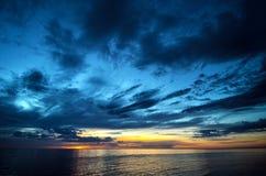 Dynamiczny niebo zmierzch Fotografia Stock