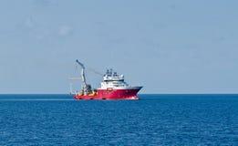 Dynamisch geplaatst schip Stock Afbeeldingen