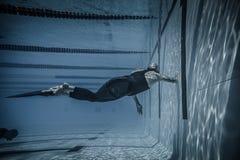 Dynamisch met Vinnen (dyne) Prestaties van Onderwater Royalty-vrije Stock Fotografie
