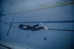 Dynamisch zonder Vinnen (DNF) Prestaties van Onderwater Stock Afbeelding