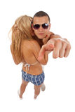 Dynamische, beiläufige junge Paare Lizenzfreie Stockfotos