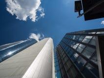 Dynamische wolkenkrabbers in Frankfurt, Duitsland Stock Foto