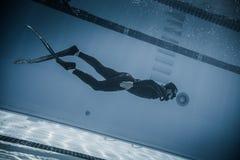 Dynamiskt med kapacitet för fena (DYN) från undervattens- Royaltyfri Fotografi