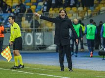 Dynamo Kyiv contre solides solubles Latium photo libre de droits