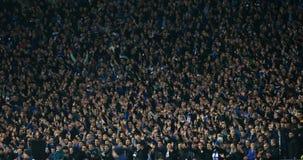 Dynamo Kyiv lockert Hände, UEFA-Europa-Liga-Runde des zweiten Matches des Beines 16 zwischen Dynamo und Everton aufstellen auf Stockfoto