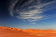 Dyner och sky Arkivfoton