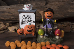 Dyniowy Halloween ornament z cukierkiem Fotografia Stock