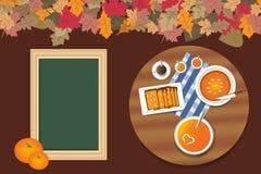 Dyniowy menu na stole z pustym chalkboard dla teksta Fotografia Stock