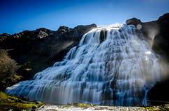Dynjandi vattenfall Arkivfoton