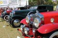 Dyra klassiska antika lyxiga amerikanska bilar Royaltyfri Foto