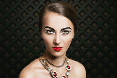 Dyra smycken för lyxig kvinna Royaltyfri Bild