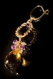 dyrbar halv stentappning för örhänge Royaltyfri Fotografi