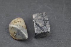 dyrbara halva stenar arkivfoto