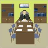 Dyrektor szef za biurkiem w biurze Zdjęcia Royalty Free