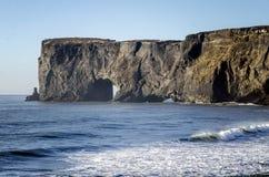 Dyrholaey naturliga ärke- Island Fotografering för Bildbyråer