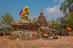 Dyrkan på Sukhothai Royaltyfri Bild