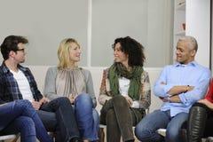dyskusi grupy terapia obraz stock