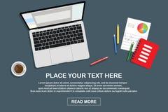 Dystansowy uczenie, online uczenie, uczenie, online edukacji, ?atwego i niedrogiego, szkolenie, j?zyk Cyfrowego laptop na biurku royalty ilustracja