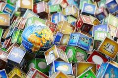 Dystrybucja magazyn, międzynarodowa pakunek wysyłka, globalny frachtowy transportu biznes, logistyki i doręczeniowy pojęcie, Zdjęcia Stock