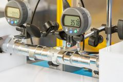 Dyszel pomiarowy narzędzie z tarcza wymiernikiem inżynieria fotografia stock