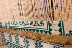 Dywanowy tkactwo w Iran zdjęcie royalty free