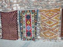 Dywany wystawiający na ulicie zdjęcie stock