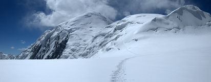 dzerzhinsky верхушка ледника поля Стоковые Фотографии RF