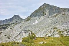 Dzhangal和momin dvor峰顶, Pirin山 库存照片