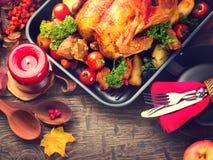 Dziękczynienie obiadowy stół słuzyć z indykiem obrazy royalty free