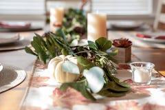 Dziękczynienie wystroju stołowy tło obrazy stock