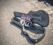 Dziękuje ciebie od ulicznego muzyka Zdjęcia Stock