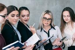 Dział zasobów ludzkich drużynowego biznesu postępowy szkolenie obraz stock
