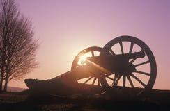 Działa przy Rewolucyjnym Wojennym parkiem narodowym przy wschodem słońca, Dolinna kuźnia, PA obrazy royalty free