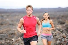 Działający sportów ludzie biega przecinającego kraju ślad Zdjęcie Royalty Free