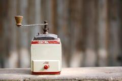 Działający stary drewniany pikantność ostrzarz lub kawa Fotografia Royalty Free