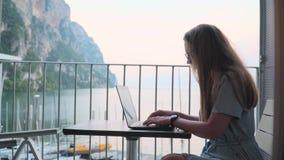 dzia?anie laptopa kobiety zbiory wideo