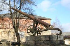 Działo xix wiek w Daugavpils fortecy Fotografia Stock
