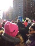 Dzia Różowego kapelusz, kobiety ` s Marzec, NYC, NY, usa Fotografia Royalty Free