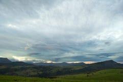 dzień chmurne łąki Obrazy Stock