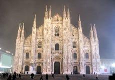 dzień duomo mgłowy Milan noc widok Fotografia Stock