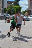 Dzień młodość, Tyumen. Koszykówek rywalizacje w Tsvetno Zdjęcie Royalty Free