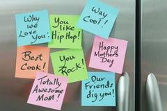 dzień matkuje kleistą notatki chłodziarkę Zdjęcia Stock